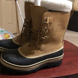 Sorrel Boots Size 9. New